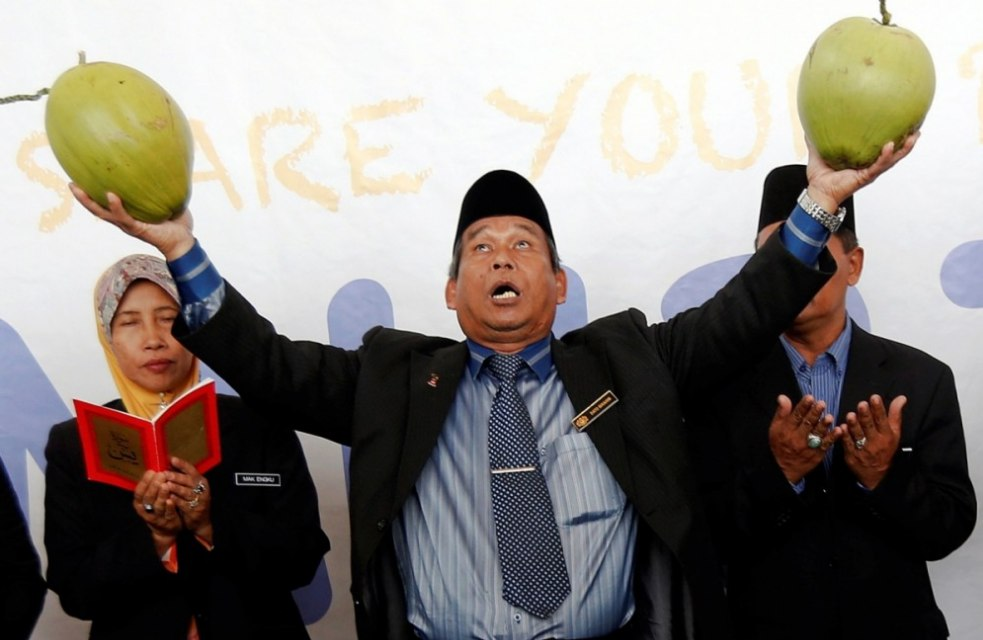 Akhirnya, Dukun Malaysia Berjuluk Raja Bomoh Sedunia Taubat