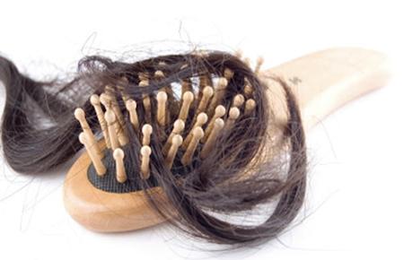 Sognare che qualcuno ti taglia i capelli