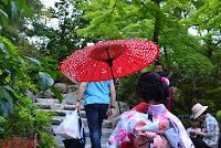 Chicas en kimono en el KinkakuJi