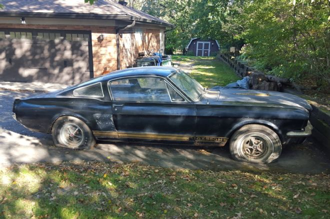 Just A Car Guy: Shelby GT 350 Cobra Mustang turns up in ...