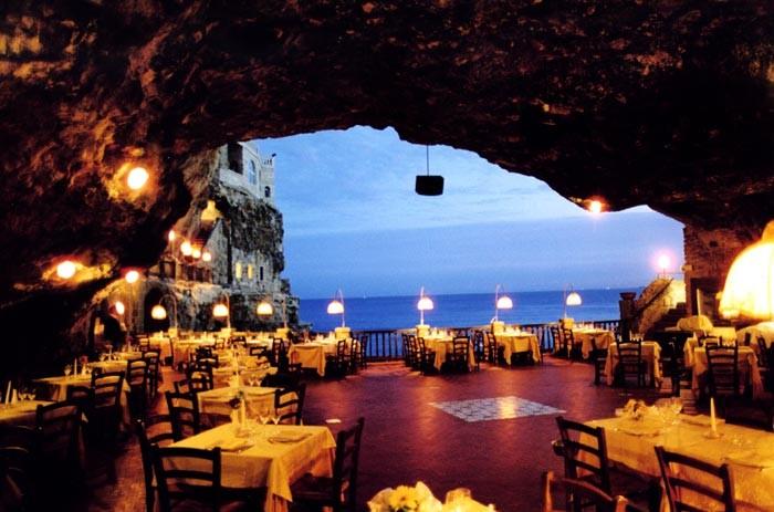 Grotta Palazzese - ресторан у моря 16