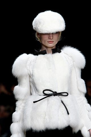 http://s-fashion-avenue.blogspot.it/2011/10/fur.html