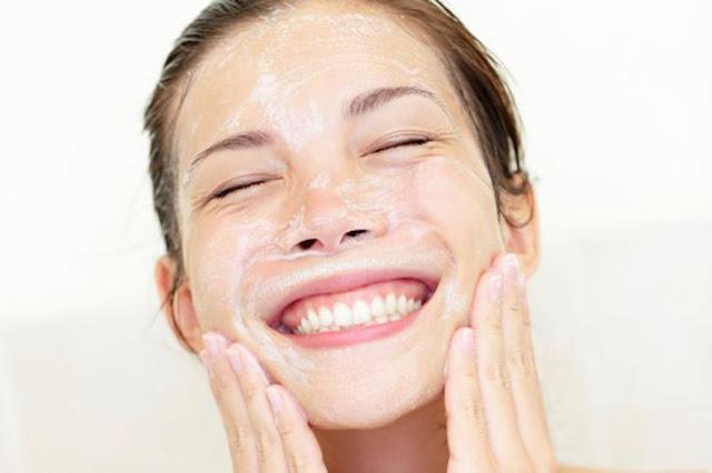 Beleza, dicas de beleza, cuidados com a pele, cuidados com o rosto, máscaras faciais, máscaras caseiras, pele perfeita, pele hidratada, esfoliação,