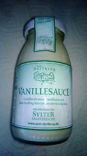 Vanillesauce in kleiner Glasflasche