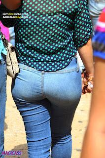 hot-girls-tight-jeans-street