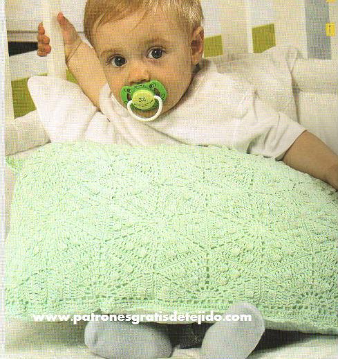 cojin-crochet-bebe