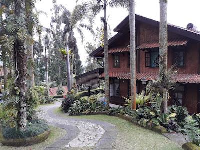 villa kelapa cisarua puncak