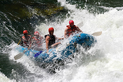 http://www.siyabona.com/images/1-vic-falls-shearwater-raft-running-rapids-wild-horizons.jpg
