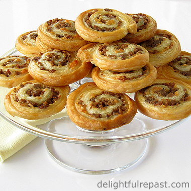 Sausage Pinwheels - Easy and Elegant Cocktail Party Canape / www.delightfulrepast.com