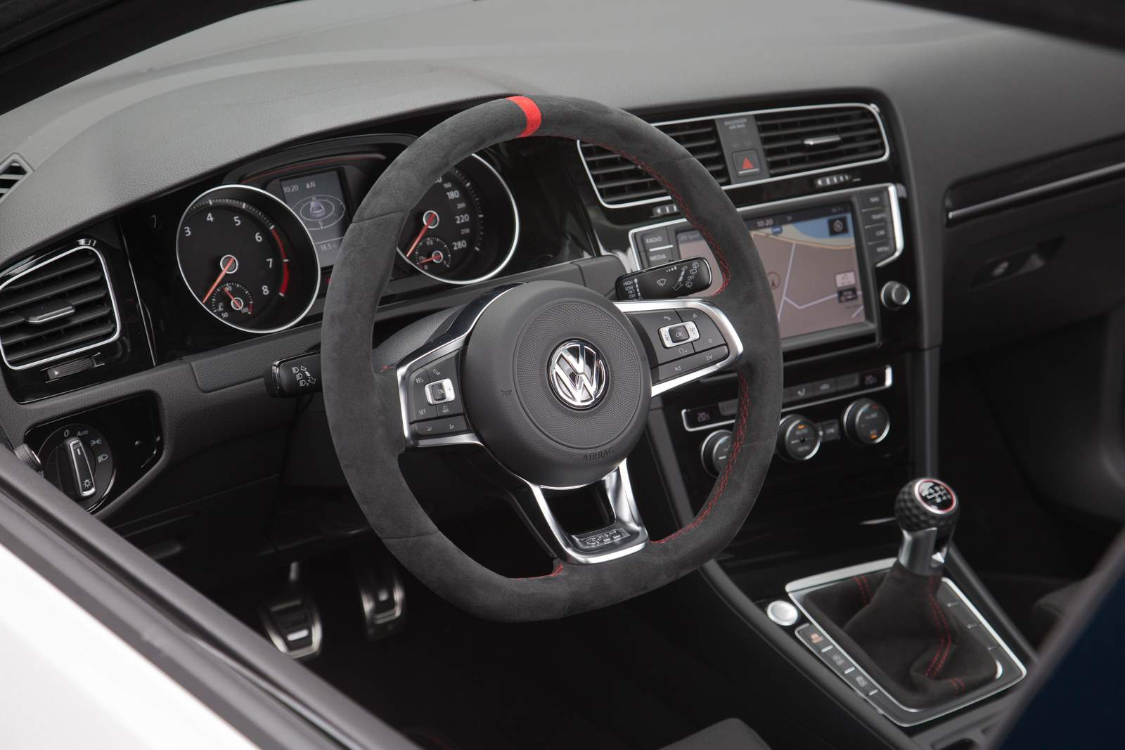 Vw golf gti 2016 clubsport fotos externas e do interior for Interior volkswagen golf