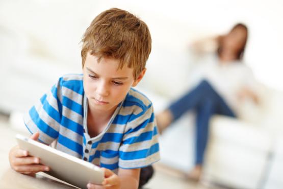 3 Cara Menggunakan Gadget Untuk Mengedukasi Anak