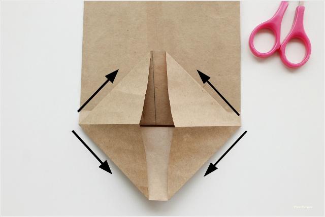 como-hacer-sobres-papel-diy-envolver-regalos-primera-comunion-paso-4