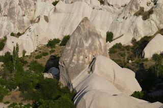 Vivienda-cueva del Valle de las Palomas.