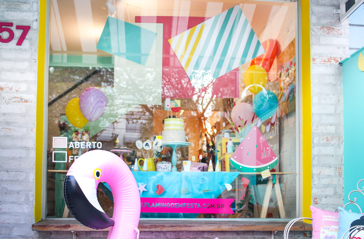 vitrine flamingo em festa loja decoração infantil sao paulo
