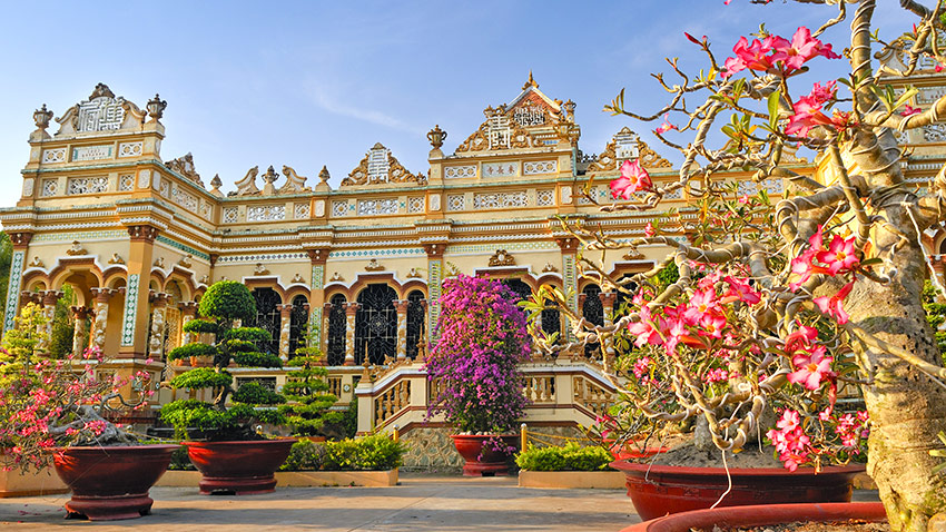 Pagoda Vinh Trang en My Tho (Vietnam)