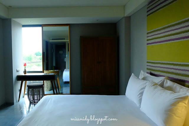 tijili hotel seminyal travel blog