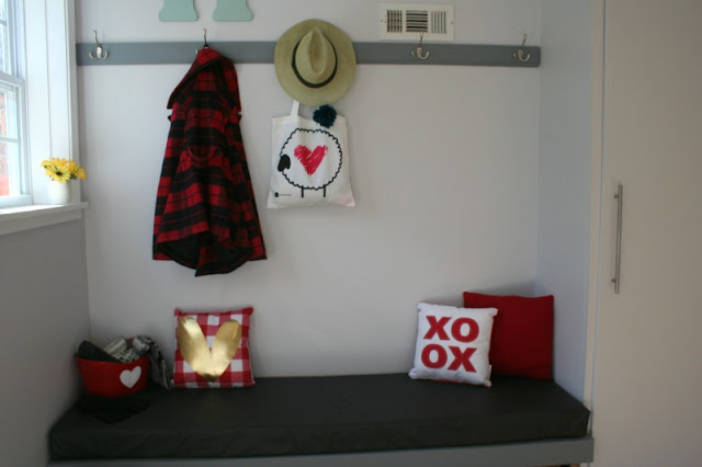How To Add Valentine's Decor To an Entryway
