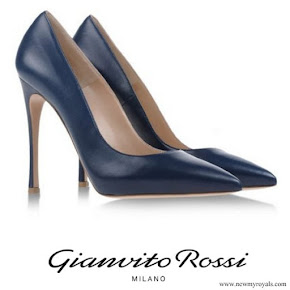 Crown Princess Mary wore GIANVITO ROSSI Leather Pumps Navy
