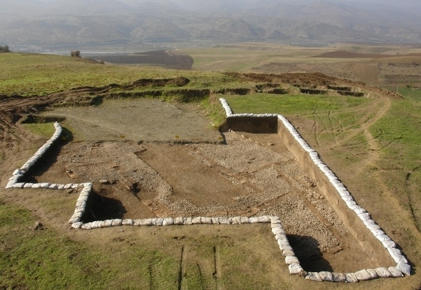 3,000 year old glazed bricks discovered in Iran's Sardasht