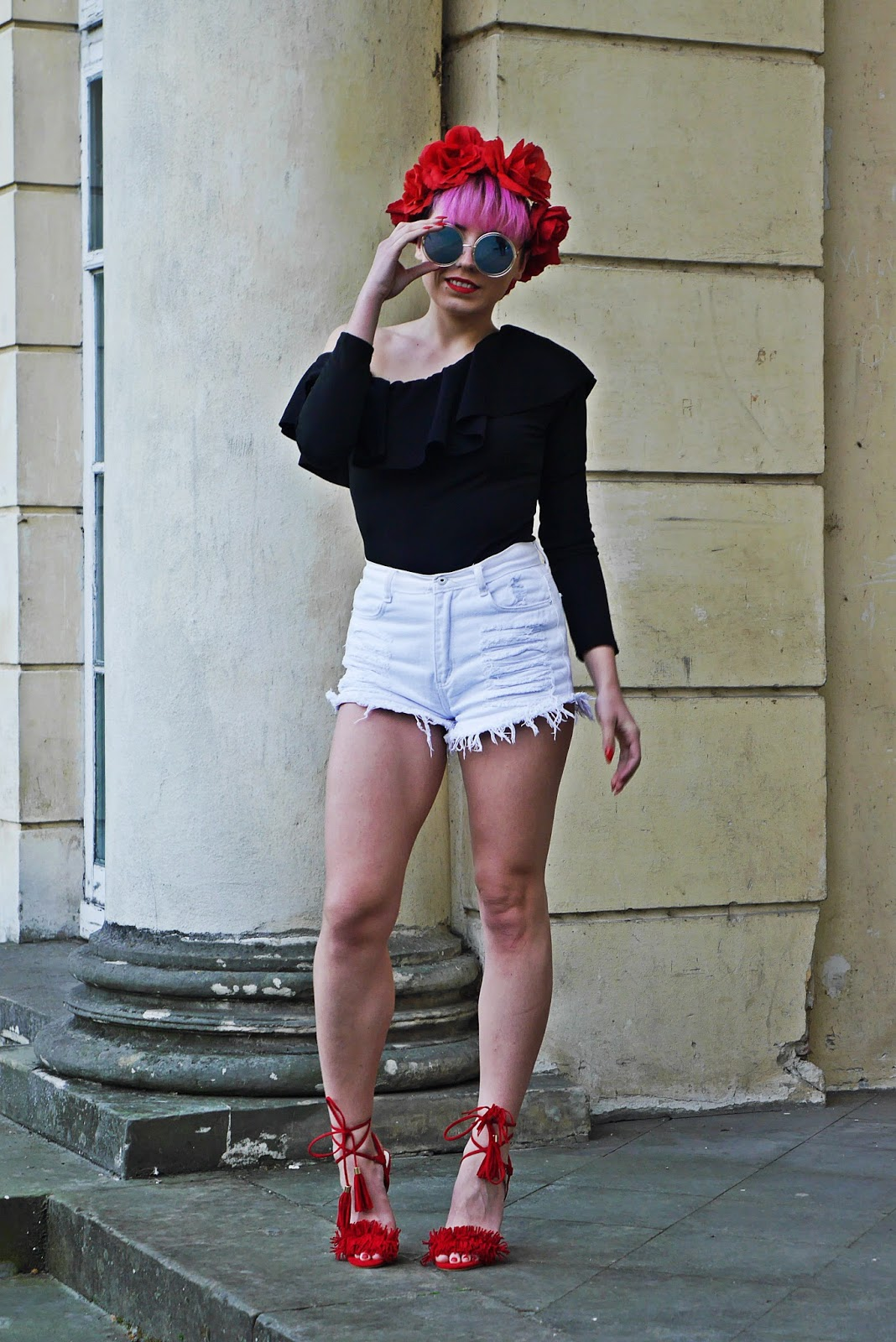 black_ruffle_top_high_waist_shorts_red_heels_karyn_blog_170517a