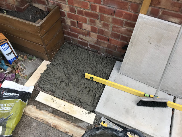 how to lay concrete paving slabs