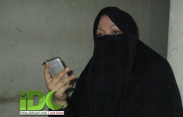 Ragukan Natal Yesus, Wanita Ini Akhirnya Masuk Islam