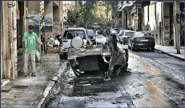 Εξάρχεια ώρα μηδέν: Επεσαν πυροβολισμοί στη μέση του δρόμου, καταγγέλλουν κάτοικοι -Αφαντη η ΕΛ.ΑΣ.