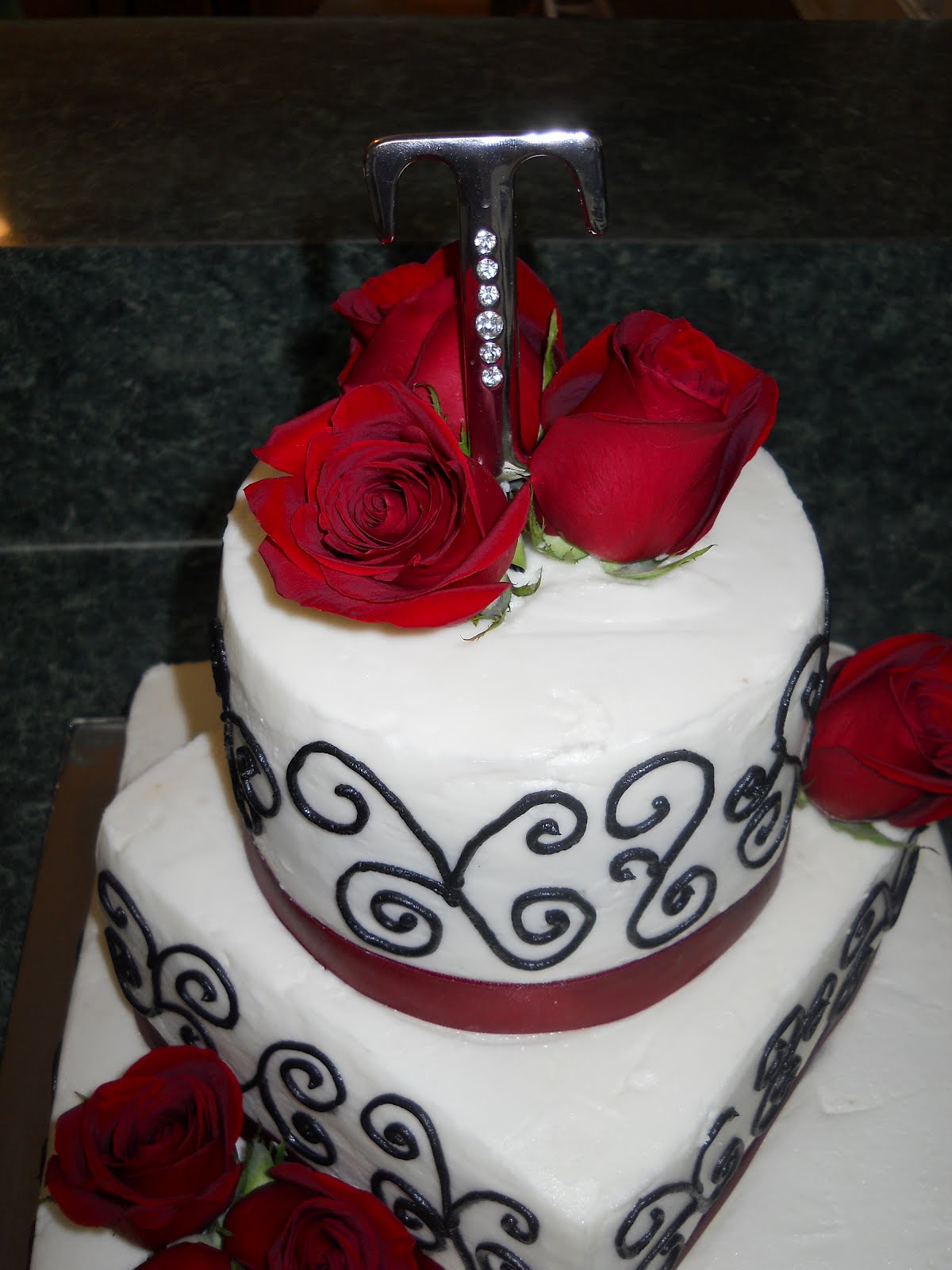 small black and red wedding cakes - Google Search   Chuck ...   Affordable Wedding Cakes Black And Red