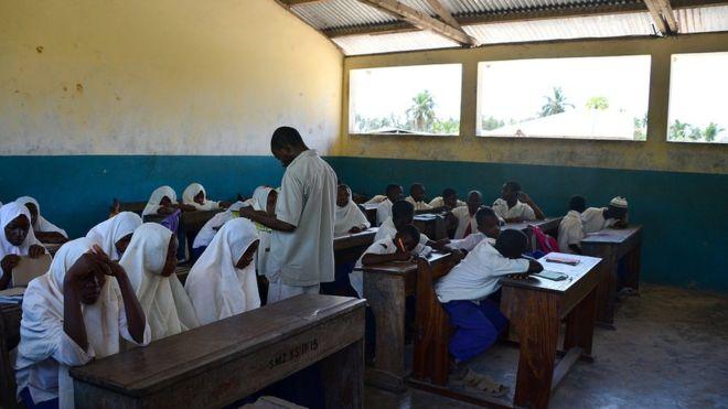 Zanzibar Yaagiza Walimu 300 Wa Sayansi kutoka Nigeria