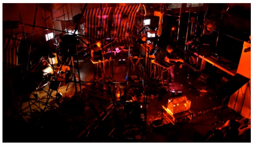 http://soniscope.com/2014/11/08/video-premiere-paddox-live-at-ovada-warehouse-gallery/