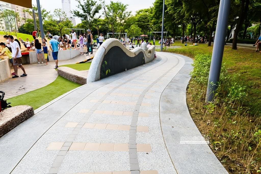 華山大草原遊戲場,台北市特色公園,親子公園,公園野餐