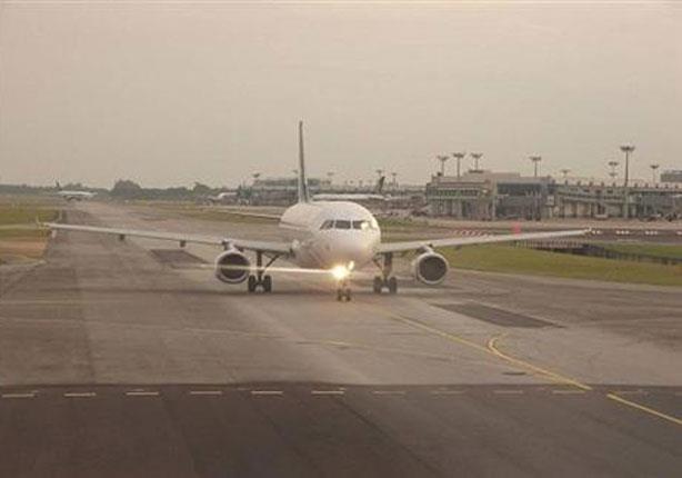 غطاء محرك الطائرة يتسبب فى هبوطها اضطراريا