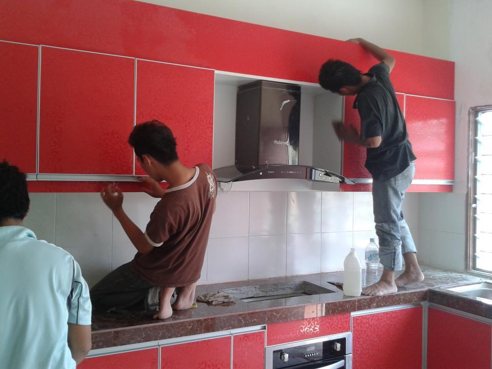 Kabinet Dapur Merah Bercorak Lebih 60 Corak Yang Menjadi Pilihan Masa Kini
