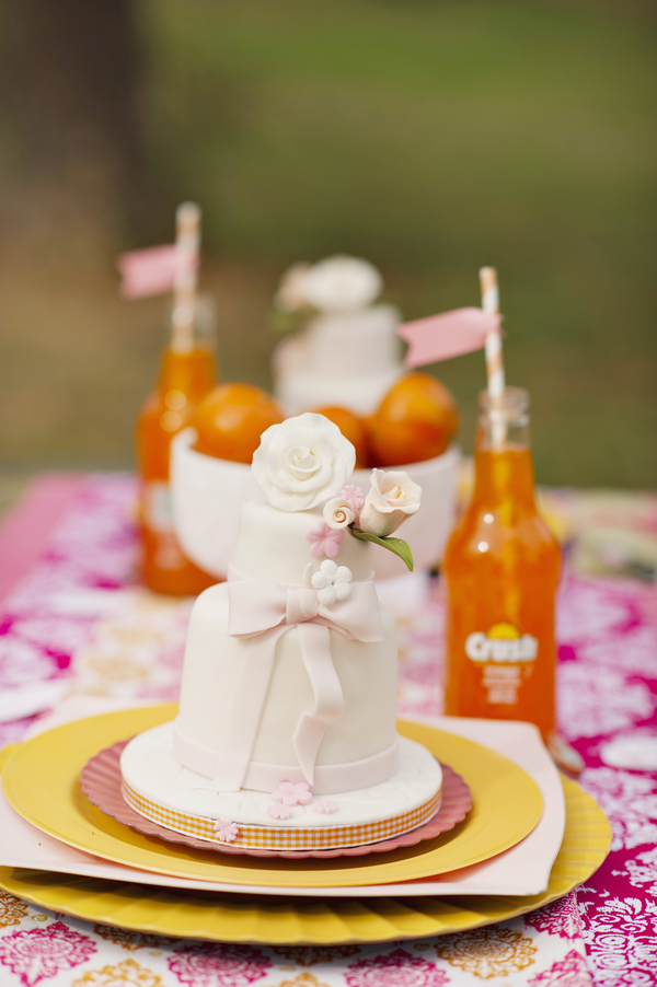 bride+groom+boho+bohemian+chic+orange+pink+yellow+rustic+valentine+valentines+day+february+winter+spring+wedding+cake+bouquet+petticoat+dress+gown+table+setting+floral+arrangement+centerpiece+tangerine+melissa+mccrotty+photography+32 - The Valentine Ombre