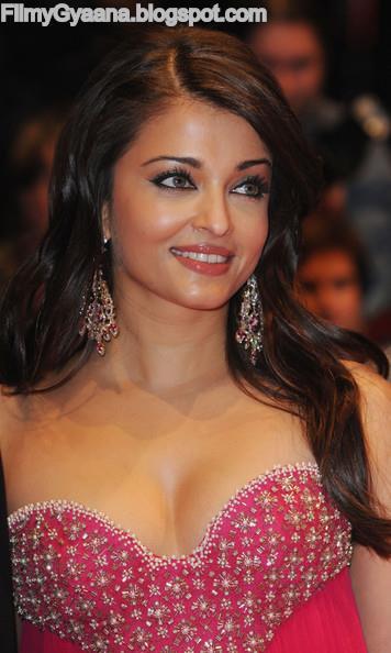 Aishwarya Rai cute smile photo