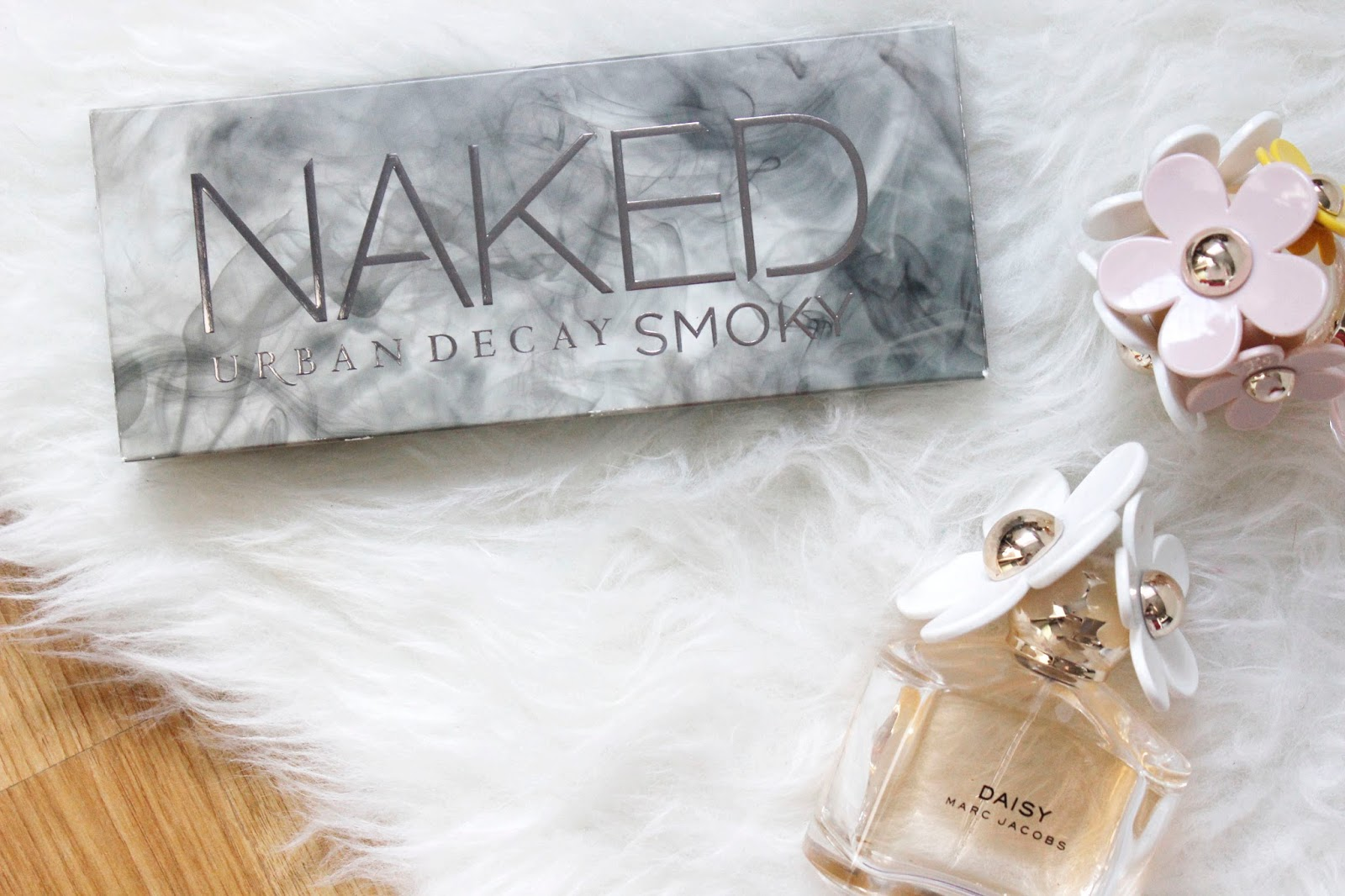 See The Stars - Urban Decay Naked Smokey Review