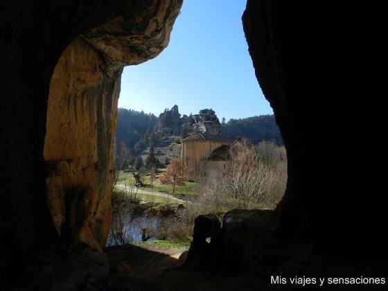 Cueva grande. Parque Natural del Cañón del río Lobos, Soria