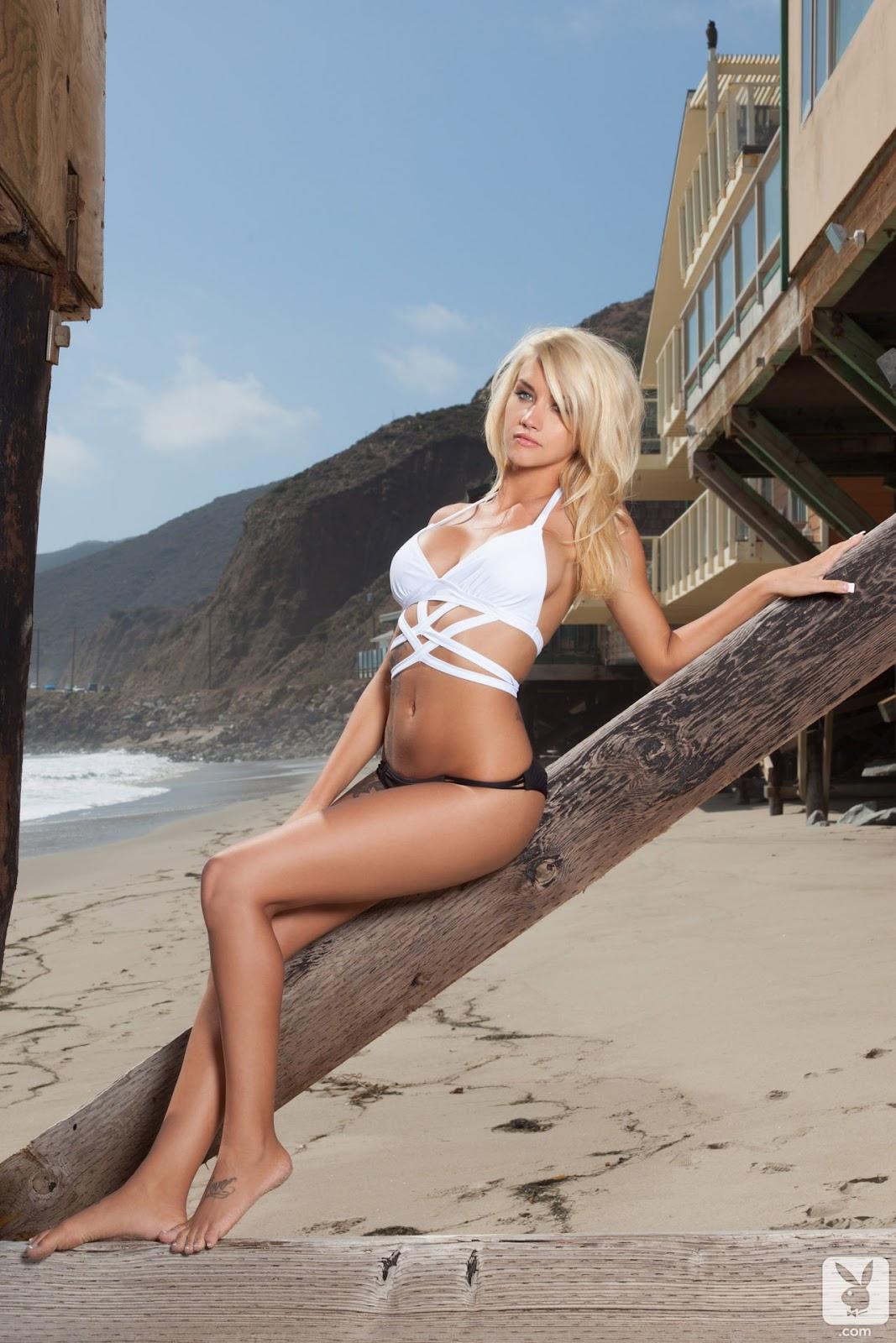 WHot Naked Girls: Taylor Seinturier Bikini