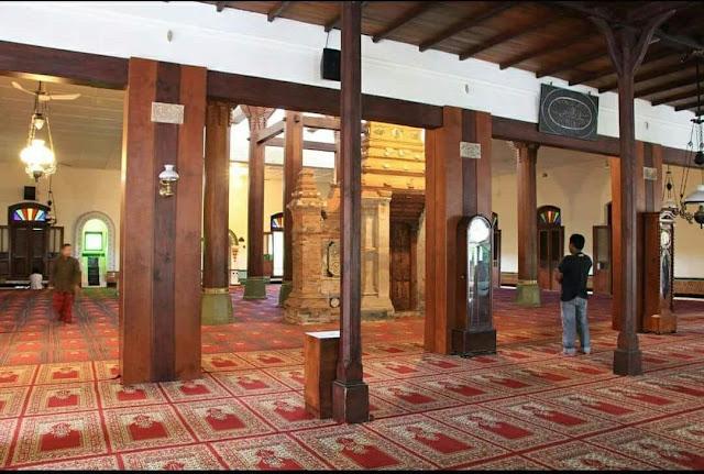 Subhanallah! Prasasti Harlah NU di Masjid Menara Kudus
