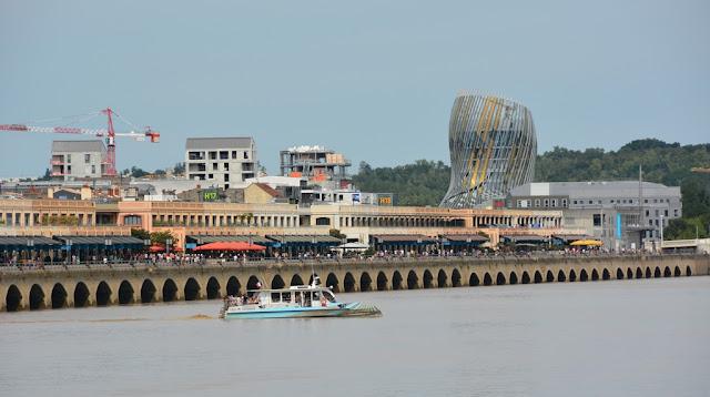 Bordeaux port