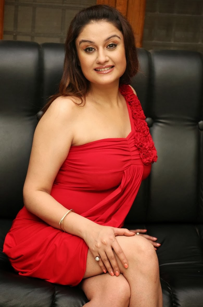sonia hot images