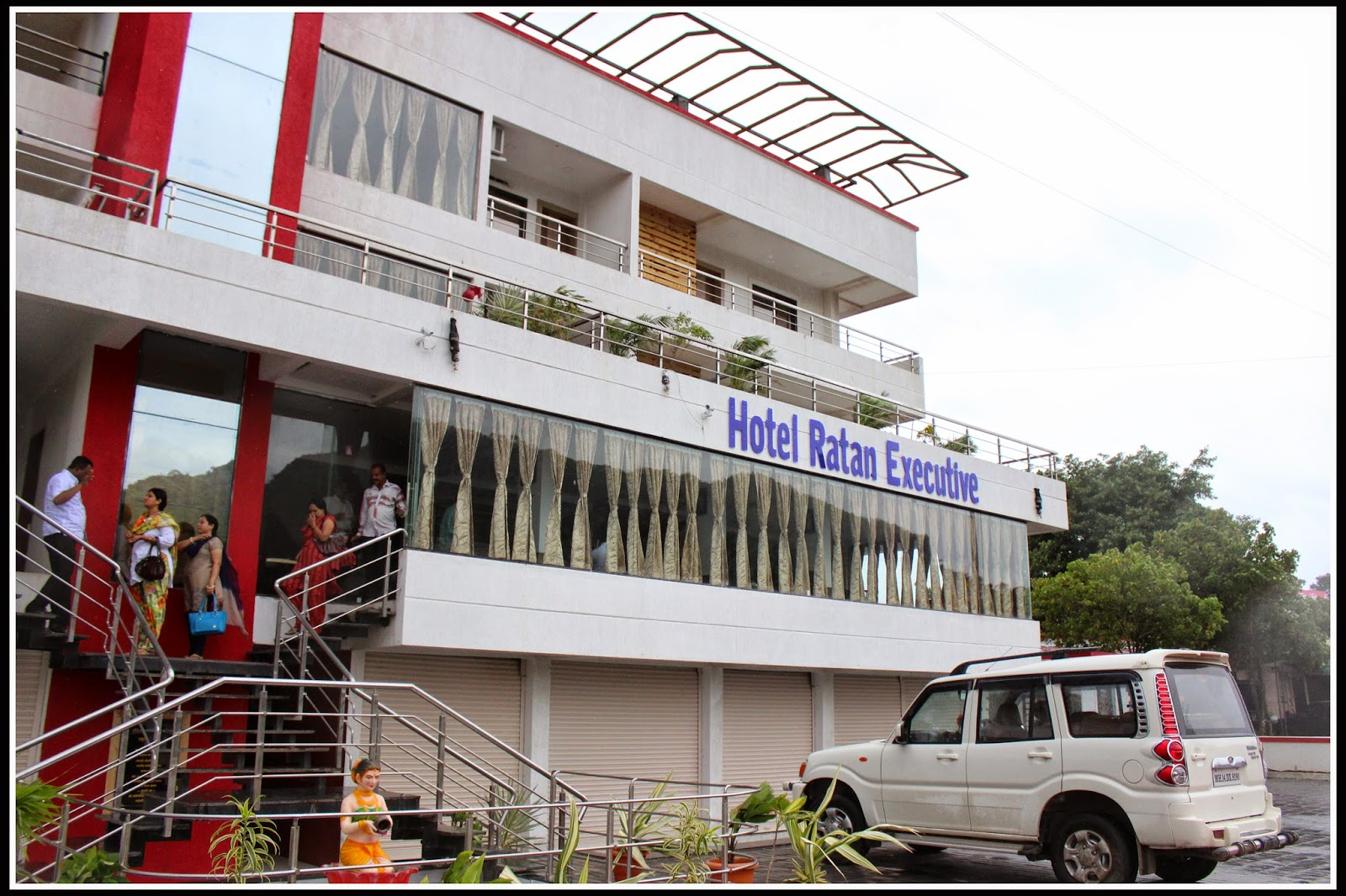 Hotel Ratan Executive, junnar