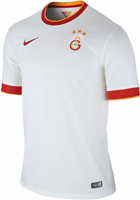205c438e0d Nike divulga as novas camisas do Galatasaray. O Galatasaray apresentou seus  novos uniformes que serão usado na temporada 2014 15 do Campeonato Turco ...