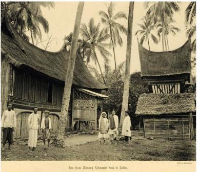 rumah gadang kuno