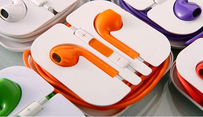 Auricolare colorato per Iphone 5 Cuffia Earbods con