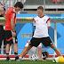 """Löw reafirma importância de Schweinsteiger na seleção: """"Tem grande influência sobre a equipe"""""""