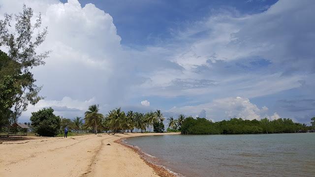 Pantai Sembulang Barelang