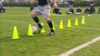 Cara Mengembangkan Tehnik Dribble Dalam Permainan Sepak Bola
