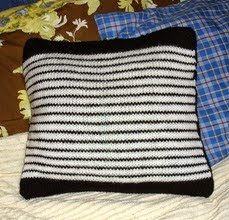 http://translate.googleusercontent.com/translate_c?depth=1&hl=es&prev=search&rurl=translate.google.es&sl=en&u=http://freepatternsbyh.blogspot.com.es/2015/01/black-white-striped-pillow-cover.html&usg=ALkJrhiVzWtvYFJsHI64nCyreAzH65C95g