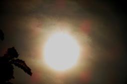 Inilah Penampakan Gerhana Matahari di Pati